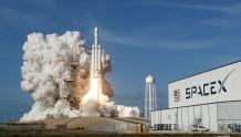 "SpaceX""龙""飞船快递送达国际空间站"