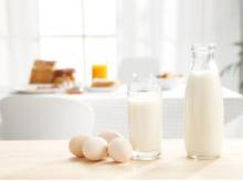 """新乳业花2.31亿拿下的""""一只酸奶牛"""",却面临着商标注册难和增长瓶颈"""