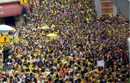马来西亚发生大规模抗议 反对缅甸军击毙77名罗兴亚恐怖分子